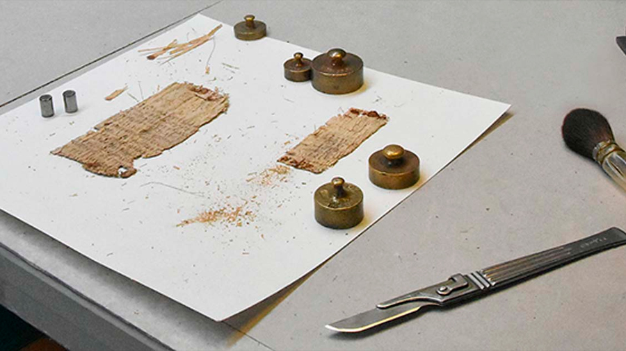 Logran solución al misterio del papiro en espejo de Basilea