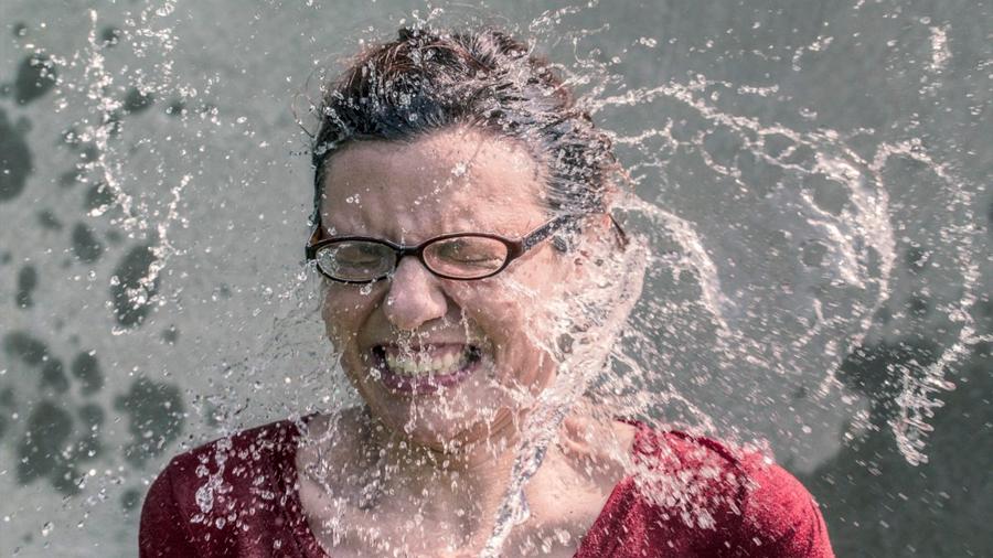 Detectan la neurona que activa los sofocos propios de la menopausia … y la desactivan