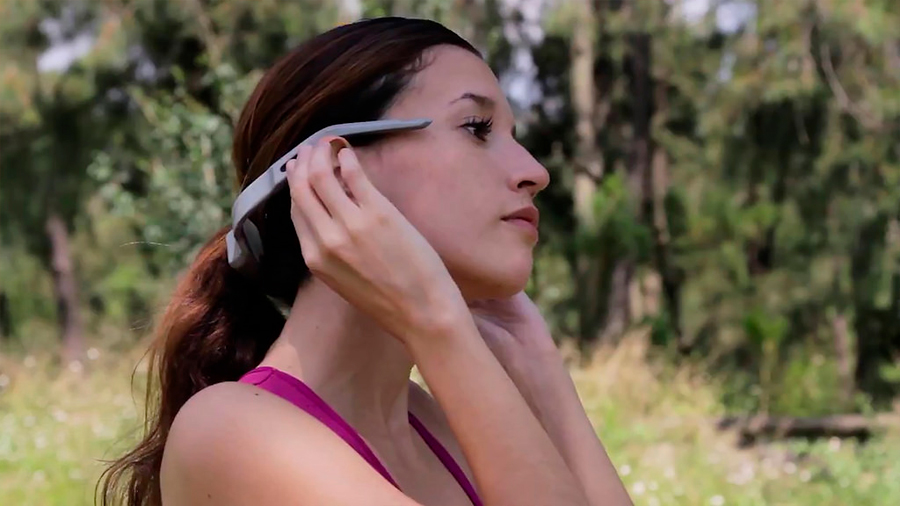 Jóvenes tecnólogos mexicanos crean audífonos que funcionan a través de conducción ósea