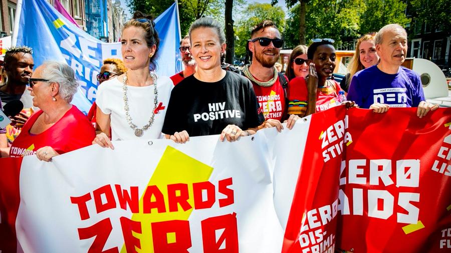Prestigiados científicos denuncian que 68 países criminalizan a portadores del VIH