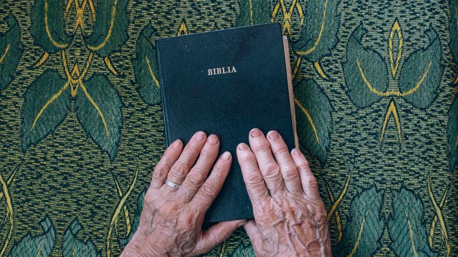 Cambios religiosos preceden a los cambios económicos de una nación