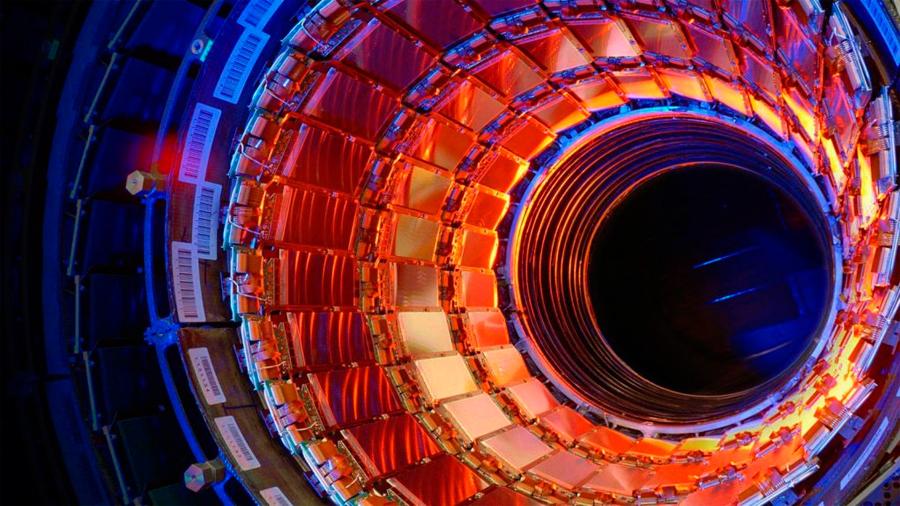 Científicos logran acelerar átomos por primera vez en el Gran Colisionador de Hadrones