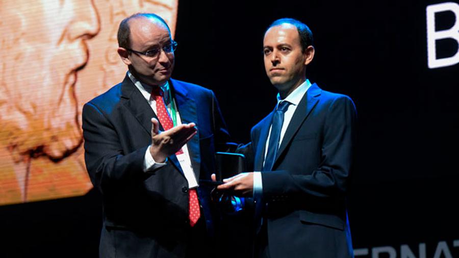 """Roban la medalla Fields justo después de ser entregada hoy al """"Nobel de Matemáticas"""""""