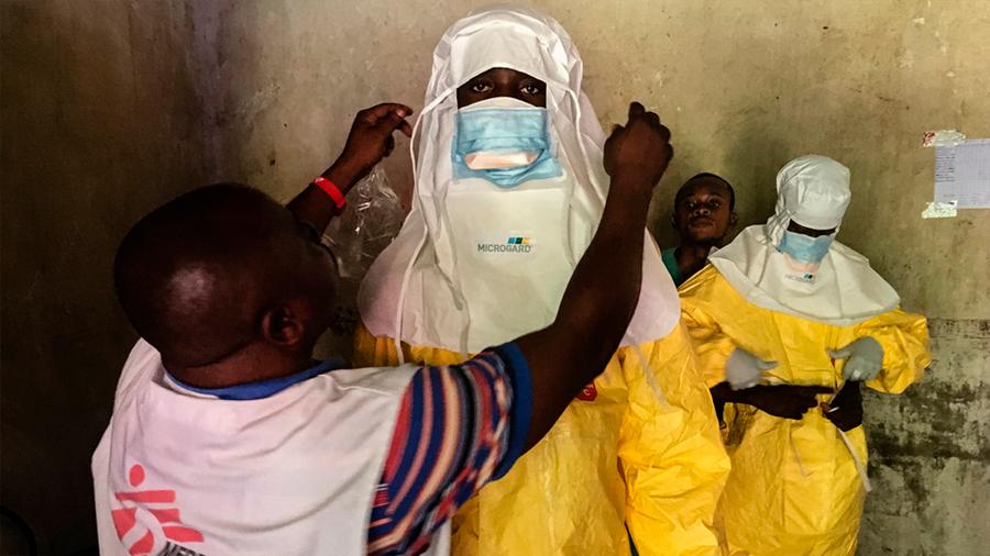 Brote de ébola afecta a dos zonas en conflicto en el Congo con 33 posibles muertes