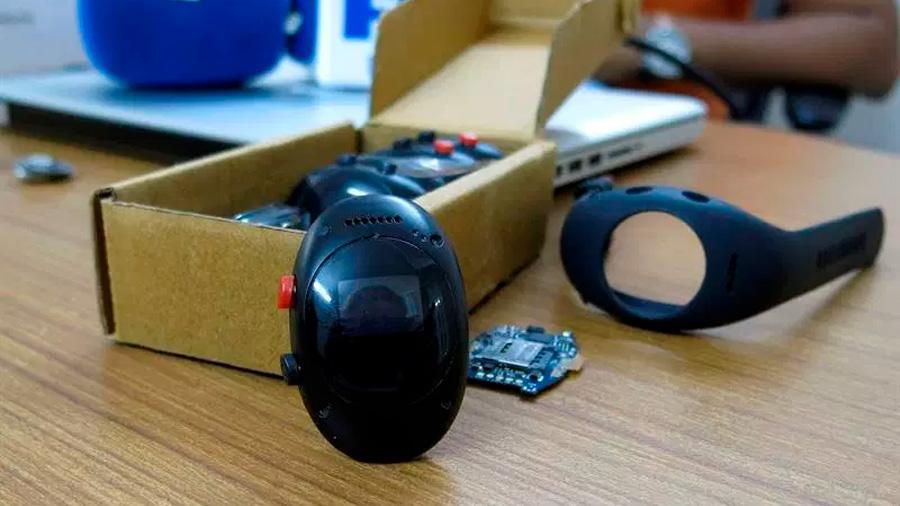 Así funciona el reloj con GPS que ayuda a reducir las agresiones sexuales