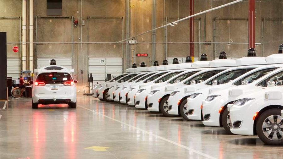 El ejército de taxis autónomos de Google llevará al paro (de verdad) a los taxistas