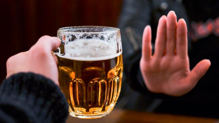 Científicos chilenos desarrollan aerosol que aseguran inhibe el consumo de alcohol