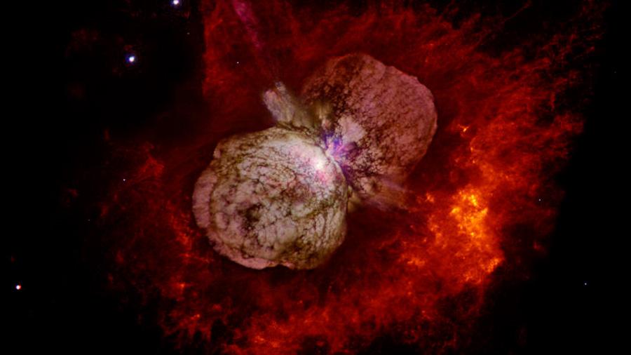 Gas a 20.000 kilómetros por segundo expulsado en una erupción estelar