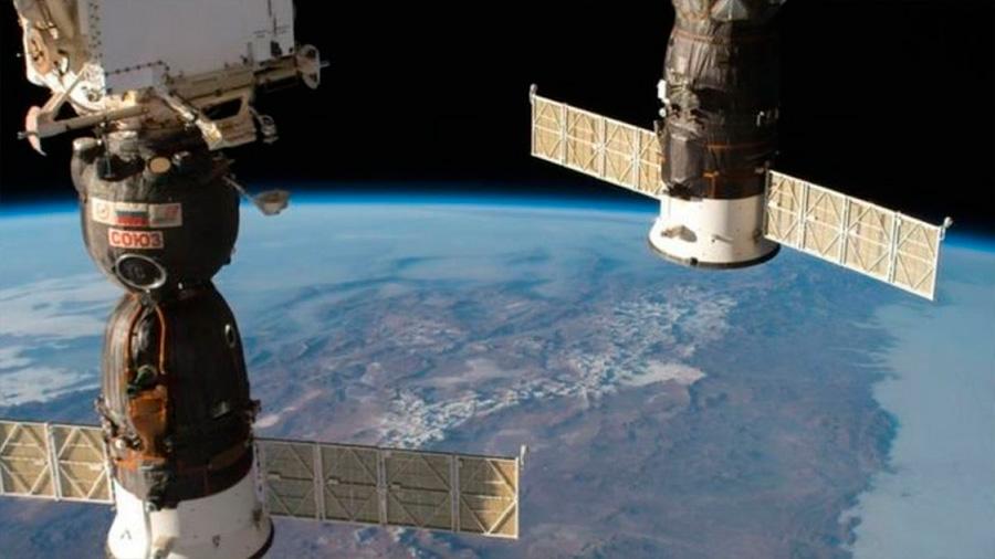 Roscosmos sospecha de sabotaje en el agujero en una nave Soyuz