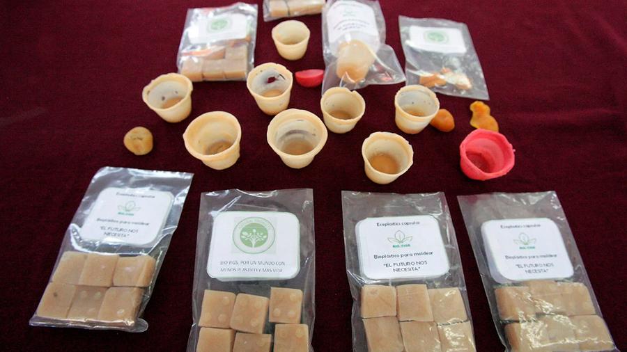 Crean alumnos del politecnico bioplástico a base de cáscara de papa