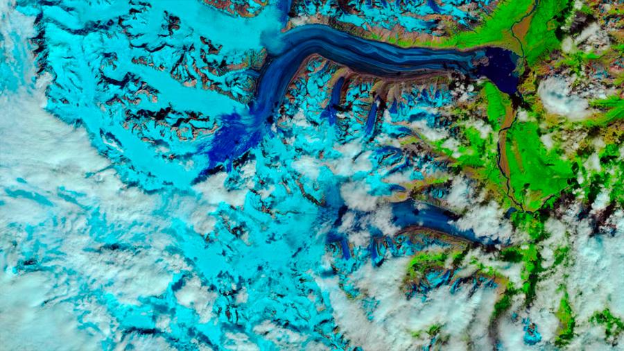 El calor fundió en 4 días la nieve invernal en un glaciar de Alaska