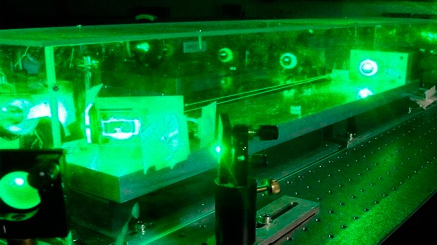 Logran entrelazamiento cuántico de seis ondas de luz con un simple láser
