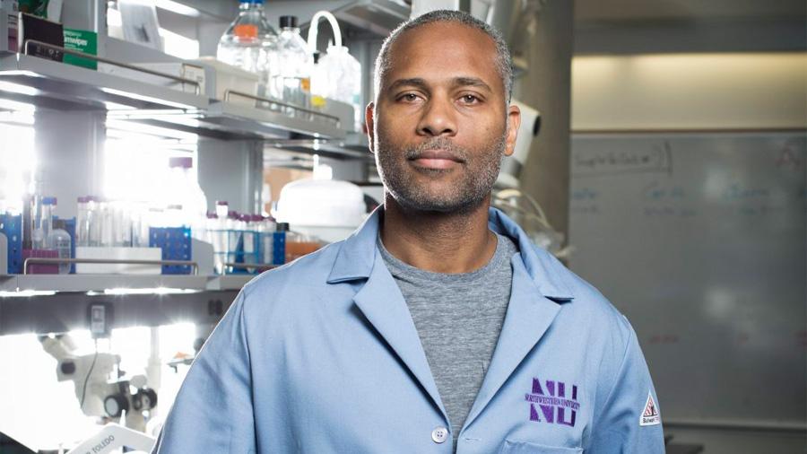 Crea innovador científico panameño vendaje para curar heridas a diabéticos