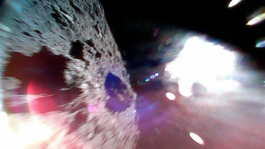 Japón logra que un rover explore la superficie de un asteroide