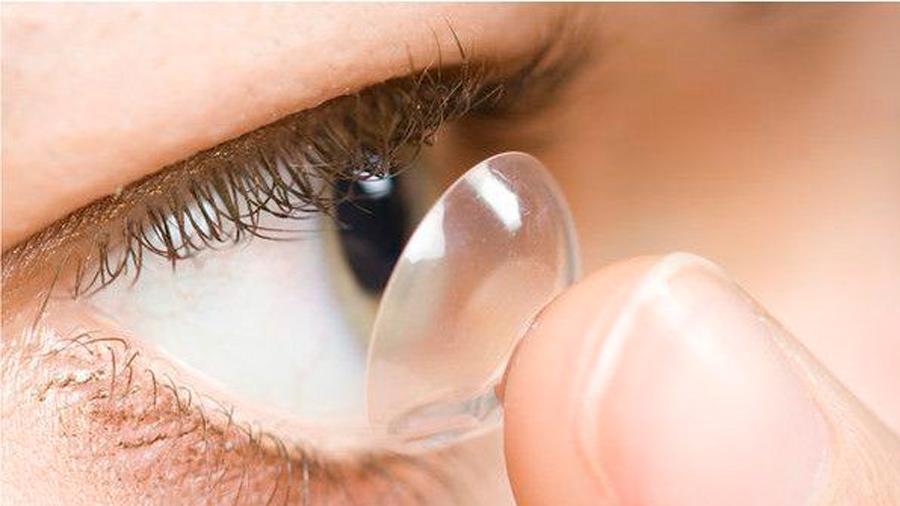 Las lentillas sucias y la mala higiene están ayudando a propagar una ameba que puede dejarte ciego