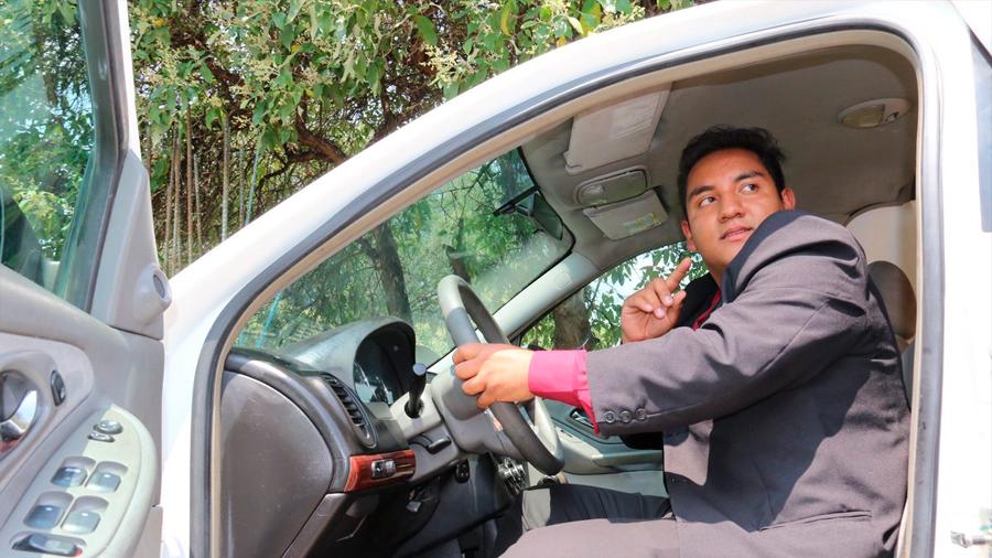 Crea estudiante mexicano método de encendido por voz en autos que los torna a prueba de robos
