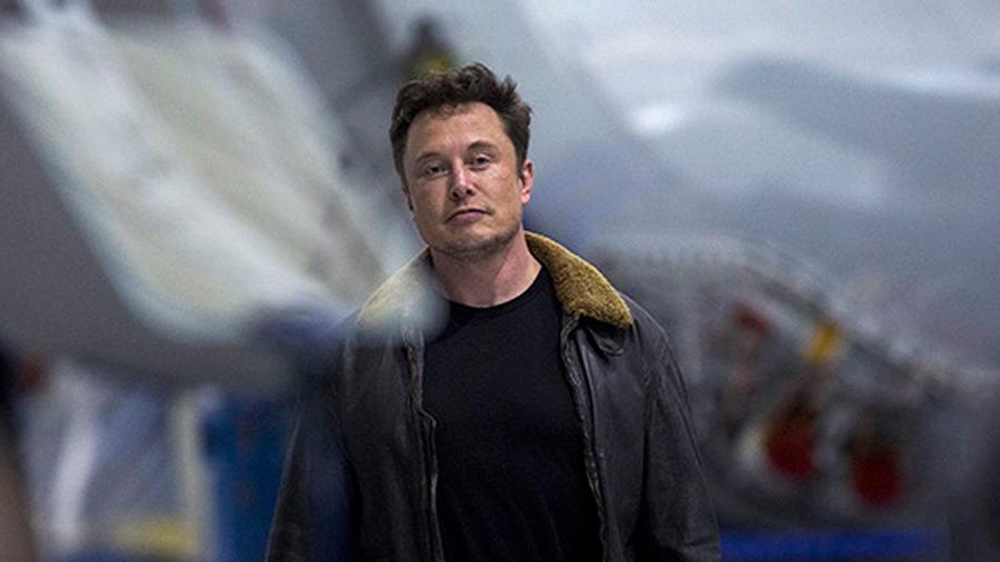 Elon Musk renuncia como presidente de Tesla y paga millonaria multa bursátil en EU