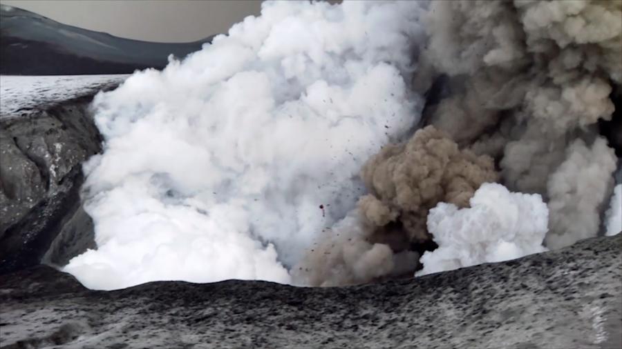 Un peligroso volcán islandés expulsa tanto CO2 como un millón de coches