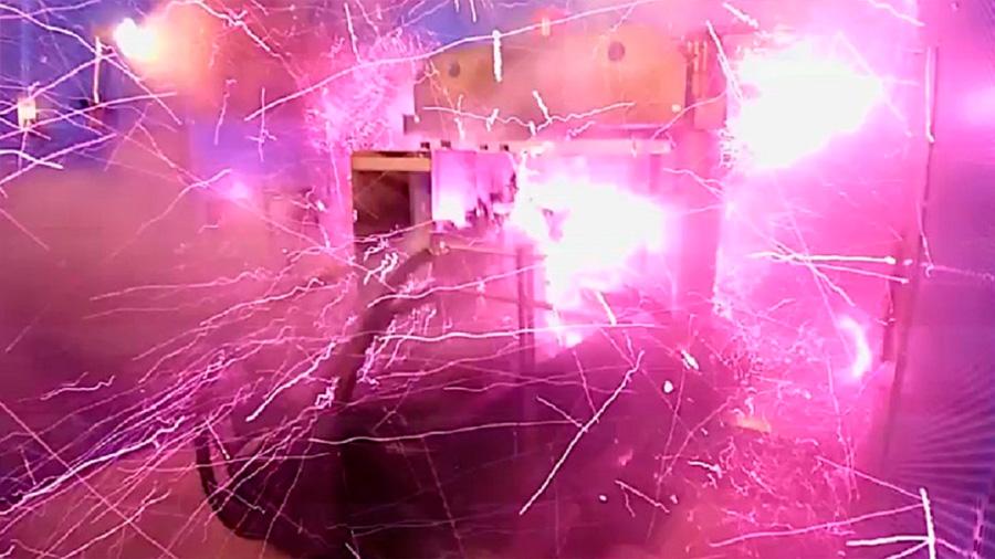Físicos japoneses vuelan parte de su laboratorio con el mayor campo magnético artificial jamás registrado