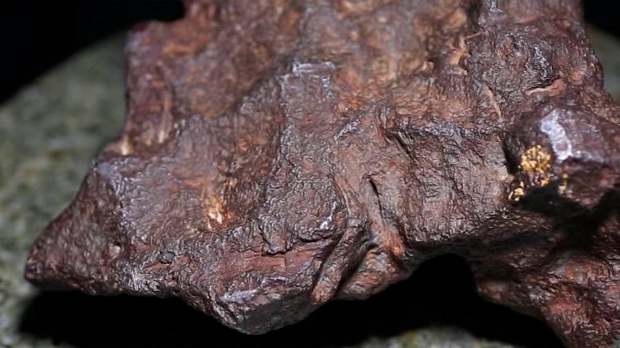 Una roca usada como tope de una puerta resultó ser un meteorito de 100.000 dólares