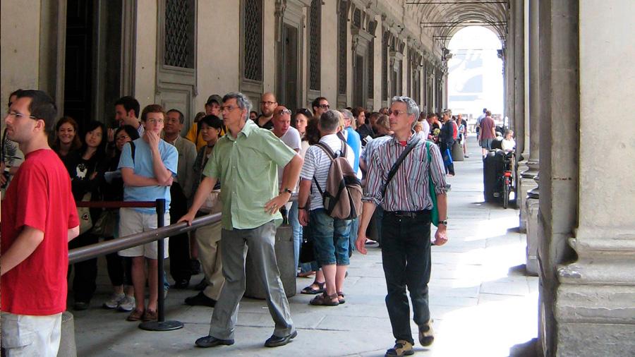 Diseñan y aplican un truco matemático combatir las grandes filas en los museos
