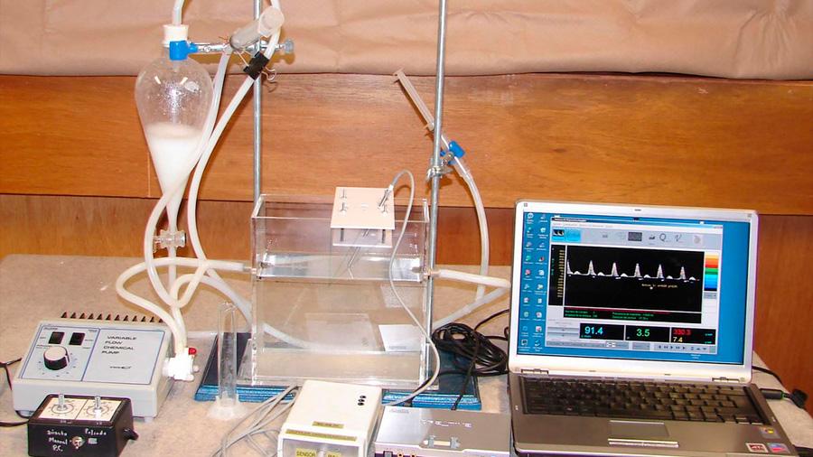 Científico mexicano crea sistema que mide flujo sanguíneo después de retirar tumores
