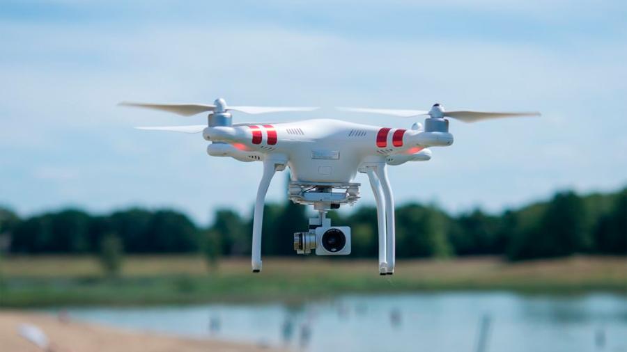 Un dron encontró a una chica desorientada y a su violador antes que los agentes de policía