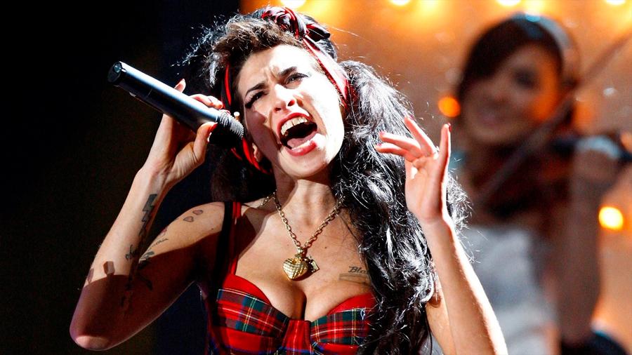 """EU: vía hologramas posibilitarán que la fallecida Amy Winehouse """"cante """" en escenarios en 2019"""