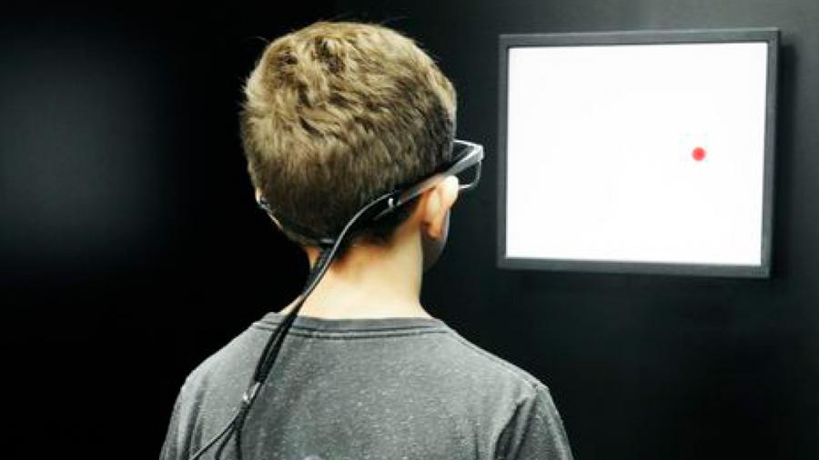 Un filtro verde aumenta la velocidad de lectura en niños disléxicos