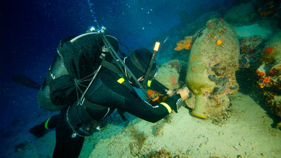 Descubren en el Mar Egeo un cementerio de barcos antiguos