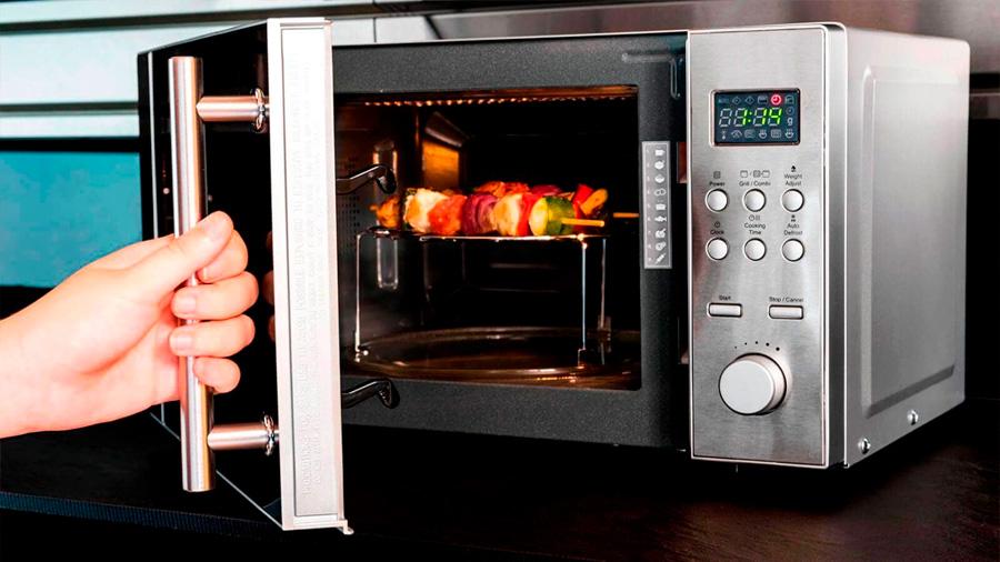Tener un microondas en casa duplica la probabilidad de ser obeso, postula estudio