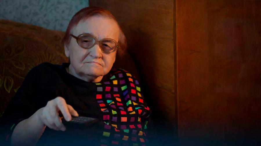 Ver la televisión se asocia con peor salud mental en mujeres mayores