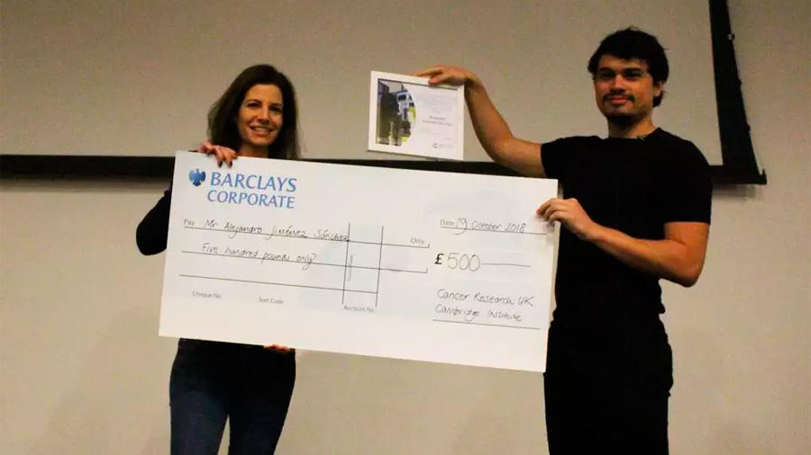 Mexicano gana premio a la mejor tesis doctoral en Instituto de Investigación sobre el Cáncer de Cambridge