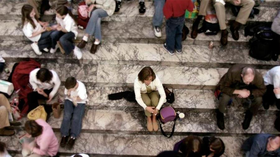 Cinco hallazgos sorprendentes sobre la soledad y las personas que se sienten solas