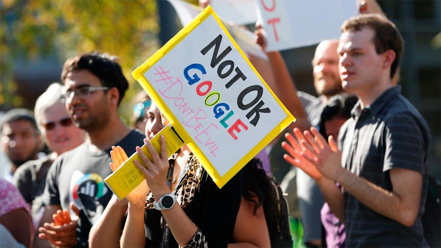 """Rebelión en Google: sus empleados protestan contra una cultura que """"protege"""" a acosadores"""