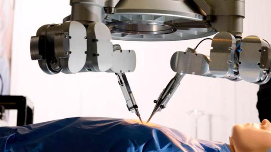 Cirugía robótica pionera tratar caso de linfedema y sutura vasos sanguíneos de 0.3 a 0.8 mm