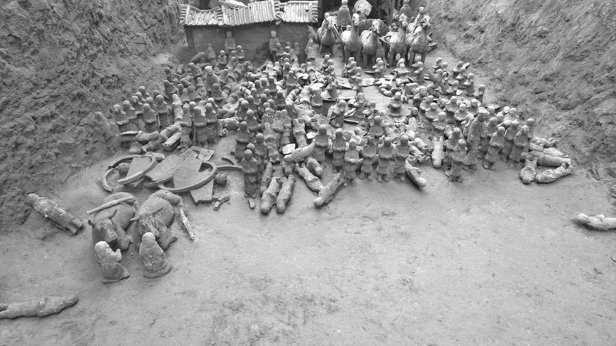 Asombroso descubrimiento de nuevo santuario con centenares de guerreros de miniatura en China