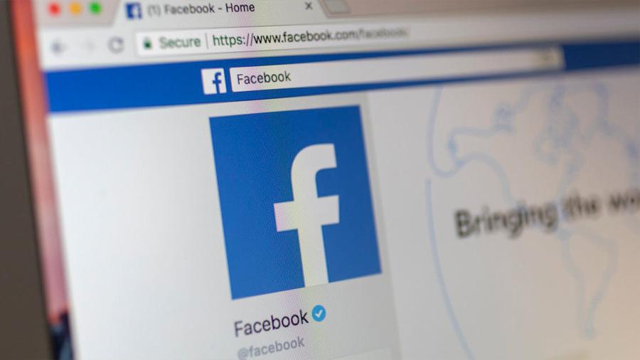 Subastan a una niña-novia en Facebook por 500 vacas