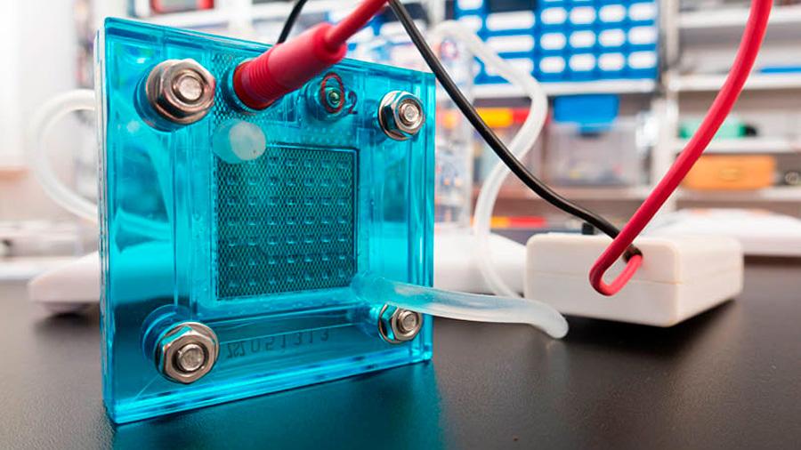 Descubren cómo generar combustible de hidrógeno a partir de agua y luz solar