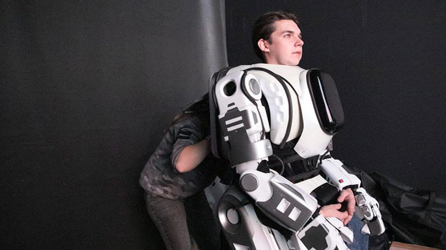 """Vaya fraude del robot ruso de """"alta tecnología"""" que podía hablar y bailar"""