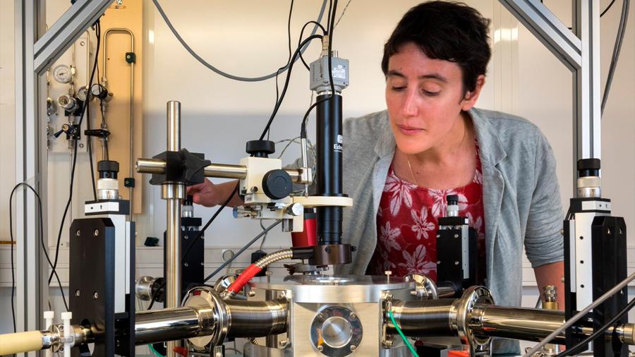 Crean nano neurona artificial que reconoce vocales habladas por diferentes oradores
