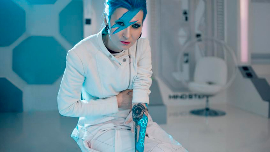 Conoce a los 'Cyborgs': humanos con microchips subdérmicos que guardan su historia clínica bajo piel