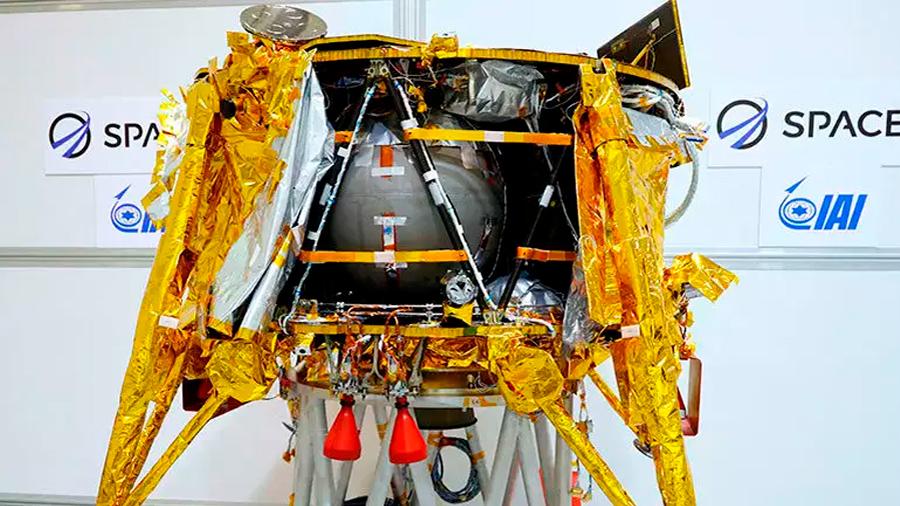 Lanzan primer vehículo espacial va la Luna