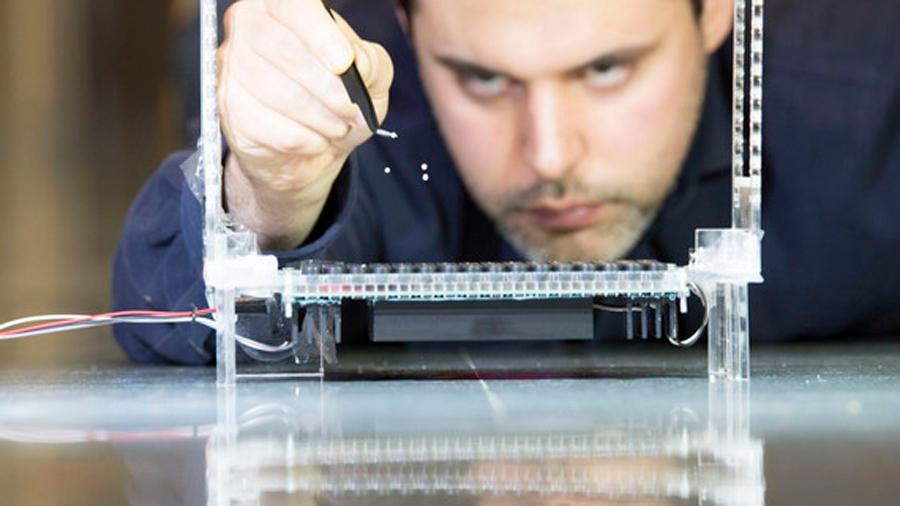 Unas pinzas acústicas hacen levitar múltiples objetos