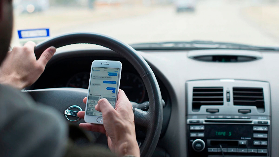 Mandar un WhatsApp al volante aumenta hasta un 134% la probabilidad de sufrir un accidente