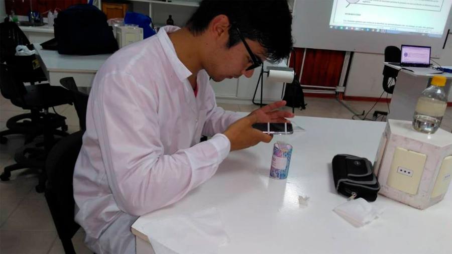 Manual enseña a convertir el celular en un microscopio