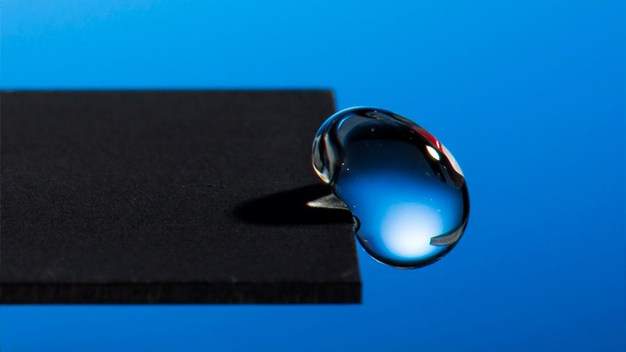 Nuevos materiales para capturar el agua atmosférica, cuya tecnología la dirige al lugar deseado