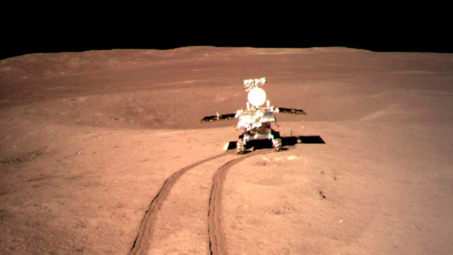 China explora con un rover la cara oculta de la Luna