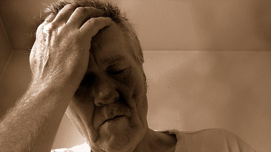 El riesgo de suicidio aumenta significativamente después de un diagnóstico de cáncer