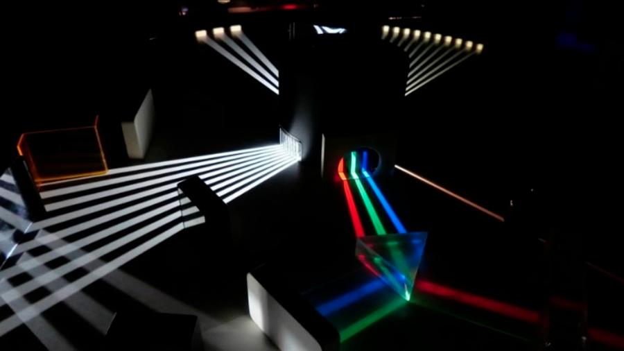 Físicos británicos construyen una máquina que rompe las reglas normales de la luz